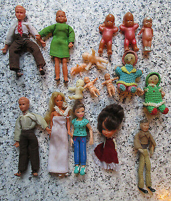 vintage* LARGE LOT DOLLS HOUSE DOLLS  - 16th scale