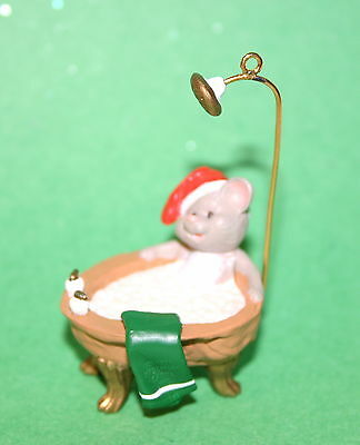 Hallmark Ornament 1988  Squeaky Clean ----Mouse In Tub