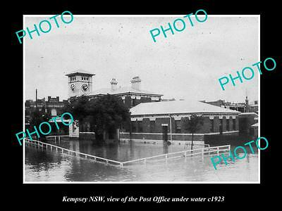 OLD LARGE HISTORIC PHOTO OF KEMPSEY NSW, THE POST OFFICE UNDER WATER c1921