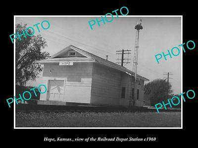 OLD LARGE HISTORIC PHOTO OF HOPE KANSAS, THE RAILROAD DEPOT STATION c1960