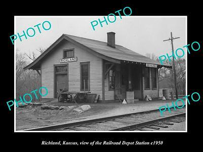 OLD LARGE HISTORIC PHOTO OF RICHLAND KANSAS, THE RAILROAD DEPOT STATION c1950
