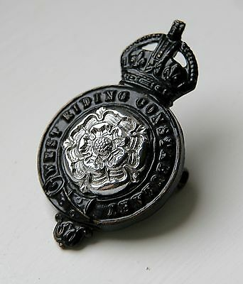 VINTAGE 1930s WEST RIDING CONSTABULARY POLICE CAP BADGE