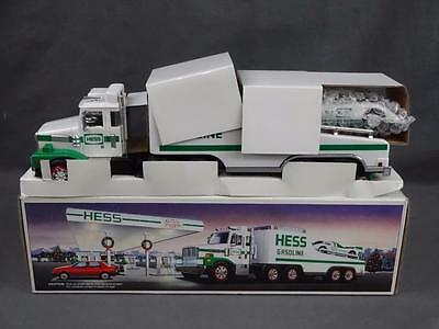 1988 Hess Toy Tractor Trailer Truck Race Car Transporter Complete in Box NM+
