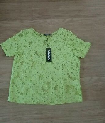 ladies boo hoo lace top size s/m brand new