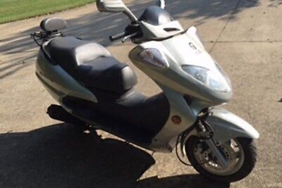 2006 Motorsports 250cc Scooter with 8 miles - never licensed - purchased at show