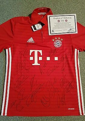 Team Signed Bayern Munich Football Shirt c/w Coa , private signing 16/17 season