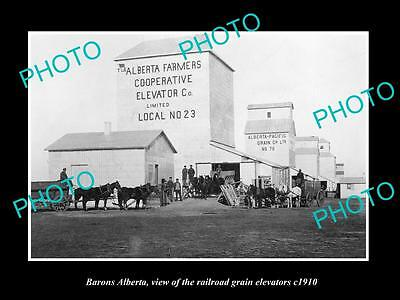 OLD LARGE HISTORIC PHOTO OF BARONS ALBERTA, VIEW OF THE GRAIN ELEVATORS c1910