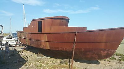 houseboat / fishingboat or cruiser boat ready to convert