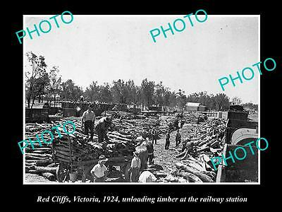 OLD LARGE HISTORIC PHOTO OF RED CLIFFS VIC, TIMBER AT THE RAILWAY STATION c1924