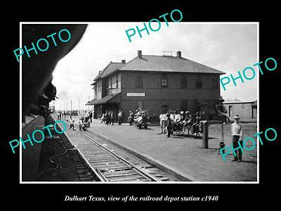 OLD LARGE HISTORIC PHOTO OF DALHART TEXAS, THE RAILROAD DEPOT STATION c1940