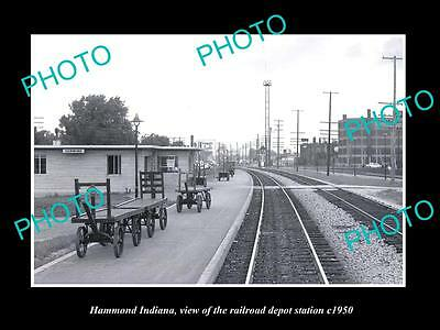 OLD LARGE HISTORIC PHOTO OF HAMMOND INDIANA, THE RAILROAD DEPOT STATION c1950