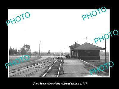 OLD LARGE HISTORIC PHOTO OF CONA IOWA, THE RAILROAD DEPOT STATION c1940