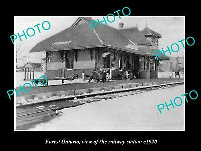 OLD LARGE HISTORIC PHOTO FOREST ONTARIO, VIEW OF THE RAILWAY STATION c1920