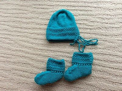 Pure new wool newborn baby bonnet and booties UNISEX{ HAND KNITTED }