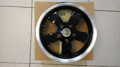 Vespa GTS wheel - Fits both 125 and 300 version - used but only done 1000km