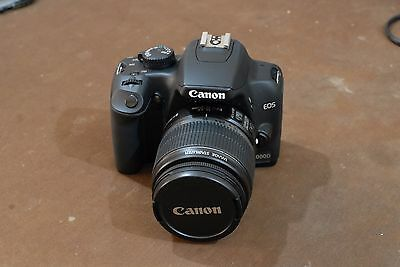 CANON EOS 1000D Reflex digitale 10MP + Canon Zoom EF-S 18-55mm IS + varie