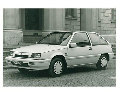 1988 Mitsubishi Colt 1300 EXE Automobile Factory Photo ch4309