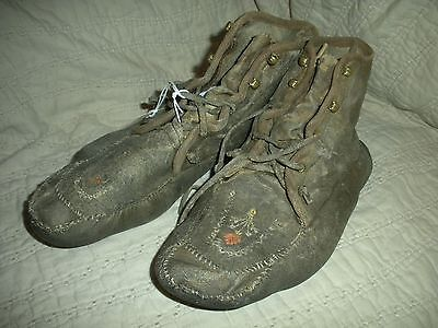 ANTIQUE c1880 PLAINS NATIVE AMERICAN INDIAN QUILL HIDE MOCCASIN BOOTS vafo