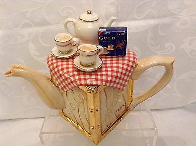 Teapottery Swineside Rare Large Collectable Novelty Teapot Tesco Gold Perfect