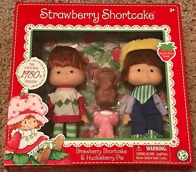 Strawberry Shortcake & Huckleberry Pie Doll 2-Pack with Pets New Retro