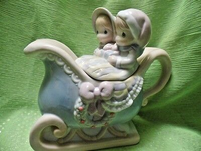 1994 Enesco Precious Moments Sugar Town Blue Sleigh Teapot (2D38)