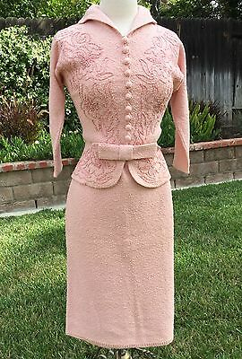 1960s TRUE VTG 2 PC SUIT SET JACKIE O PINK JACKET SKIRT HAND LOOMED KNIT OUTFIT