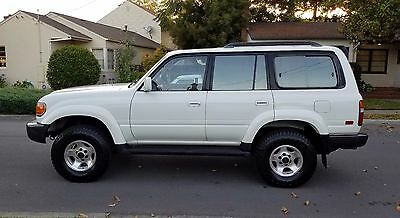1996 Toyota Land Cruiser Golden Package 1996 Toyota Land Cruiser 115k miles,  Rust free , E-lockers , lifted.