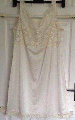 WOMEN'S M&S CREAM/VANILLA FULL LENGTH LACE SLIP Size 16 Length 23""