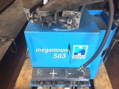 Hofmann Megamount 503 Racing tyre changing machine