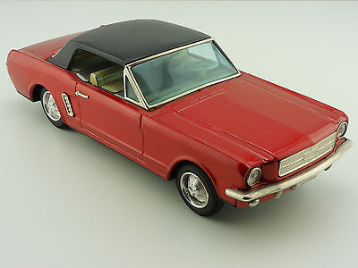 Bandai Ford Mustang w/ Slip Action 2-door Coupe Blechauto ti 1602-27-29