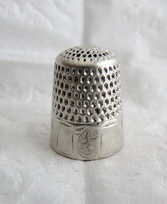 Antique Webster Sterling Silver Paneled Sz.7 Thimble