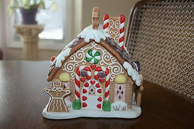 Excellent condition Partylite Gingerbread Tealight House P7304