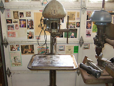 """Delta """"DP 220"""" Drill Press Oldie but goodie w/ production table"""