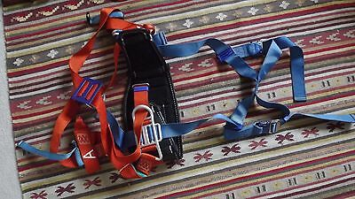 climbing set harness wild country vision small S chalk bag dmm belay device