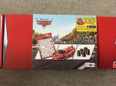 DISNEY CARS DIECAST Daredevil Garage -Spin Out Lightning McQueen, Tires & Poster