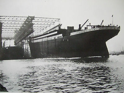 R M S Titanic Postcard -The Launching Of The Titanic