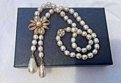 """Gorgeous Miriam Haskell Baroque Style Glass Pearls Flower Lariat Necklace 19""""l"""