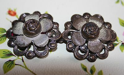 Lovely Vintage Metal Buckle - Roses