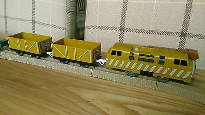 Tomy Trackmaster Thomas The Tank Engine Diesel 10 Battery Train