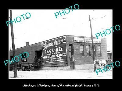 OLD LARGE HISTORIC PHOTO OF MUSKEGON MICHIGAN, THE RAILROAD FREIGHT HOUSE c1910