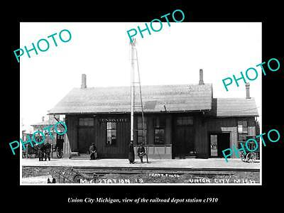 OLD LARGE HISTORIC PHOTO OF UNION CITY MICHIGAN, THE RAILROAD STATION c1910