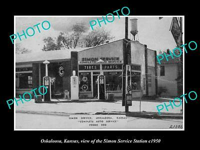 OLD LARGE HISTORIC PHOTO OF OSKALOOSA KANSAS, THE SIMON SERVICE STATION c1950