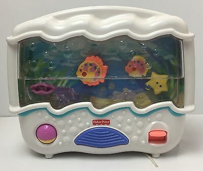 Fisher Price Ocean Wonders Aquarium Lights Sounds Crib Toy Infant Soother Music