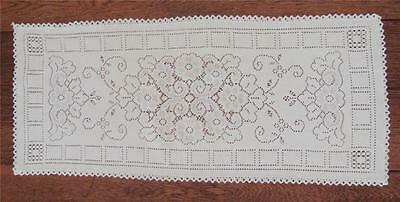 """Vintage 32"""" x 13 1/2"""" Ivory Alpine Lace w 1/2"""" Hand Crocheted Edge Table Runner"""