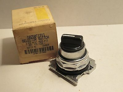 Cutler Hammer 10250T1311 2 Pos Series A3 Selector Switch New