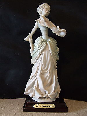 "Giuseppe Armani Figurine  ""Lady with Fan"" -   Excellent condition"
