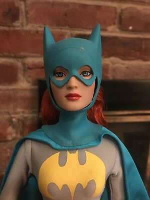Tonner DC STARS BATGIRL Original 2007 Dressed Doll Displayed and Mint