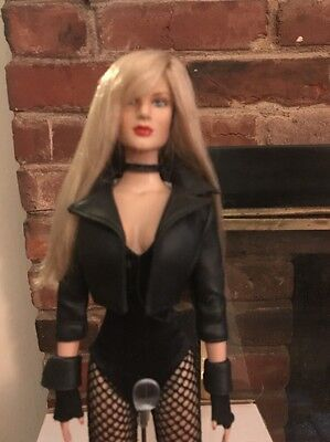 Tonner DC STARS BLACK CANARY Original 2008 Dressed Doll Displayed and Mint