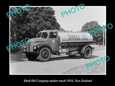 OLD LARGE HISTORIC PHOTO OF SHELL OIL COMPANY FUEL TANKER c1954, NEW ZEALAND