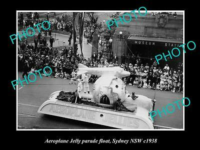 OLD LARGE HISTORIC PHOTO OF THE AEROPLANE JELLY PARADE FLOAT, SYDNEY NSW c1930s